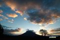 日の出前の羊蹄山