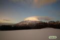 月明かりの羊蹄山