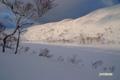 残雪に覆われた長沼