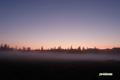 朝焼けと霧の神仙沼湿原