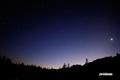 僅か明るくなり始めた東空