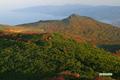 朝陽を浴びる岩内岳