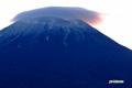 日の出直前の羊蹄山