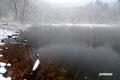 雪の半月湖