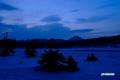 残雪の神仙沼湿原~日の出前