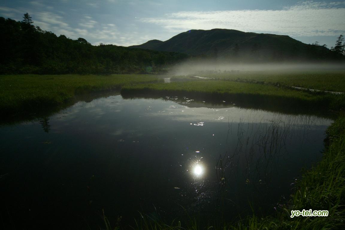 神仙沼湿原~池塘に映える月