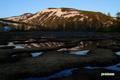 陽が当たる前の湿原