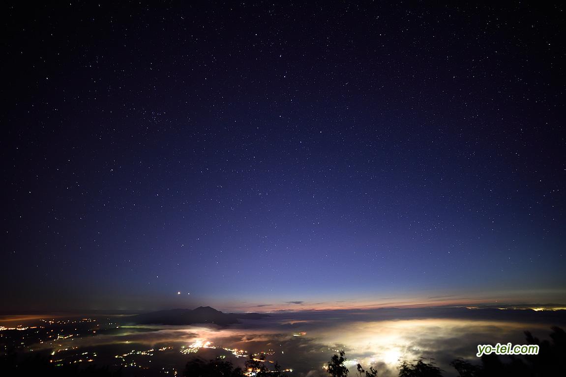 倶知安(ヒラフ)コース五合目付近からの夜景・星空