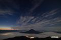 月明かりの雲と雲海