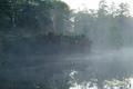 朝陽が当たる前の神仙沼畔