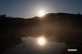 池塘に映る月と木星