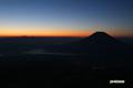 朝焼けの地平と金星