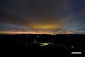 夜明け間近の京極町と色付き始めた東空