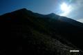 登山道から見上げる「ニセコアンヌプリ」