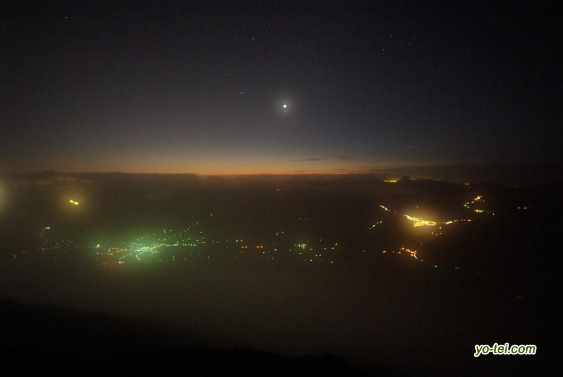 金星と羊蹄山