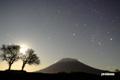 ふたご・オリオン・月~サクランボの木と羊蹄山