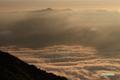 雲海(というより雲河)と余市岳