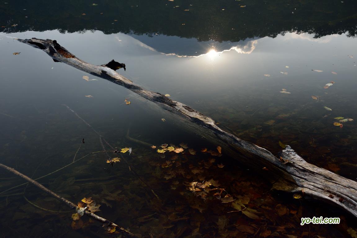 湖面の陽の出