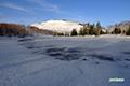 残雪の神仙沼・シャクナゲ岳